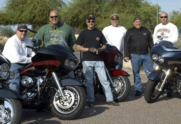 Px_sturgis08_start_group